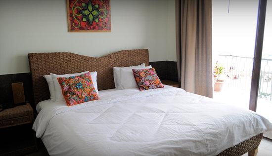 Dharma Beach: king size beds