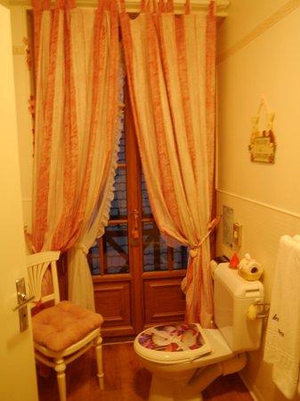 Hotel Les Cygnes: Bagno