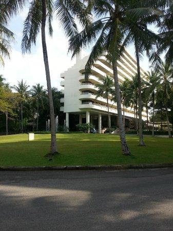 Hilton Phuket Arcadia Resort & Spa: основной ресепшн