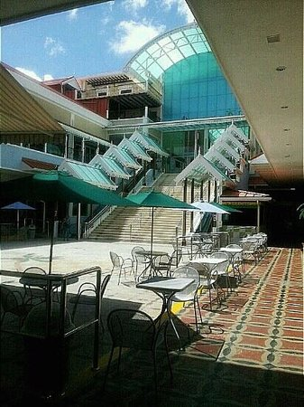 Coco Palm Resort: Bay Walk Mall