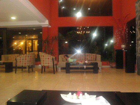 Orquideas Hotel & Cabanas: PARTE DEL HERMOSO LOBBY