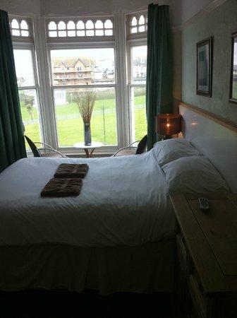 Minerva Hotel: Double bed