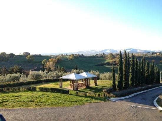 Relais Villa Grazianella - Fattoria del Cerro: gorgeous view from our room