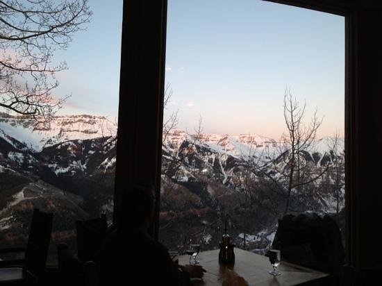 Allred's Restaurant: view from Allreds.