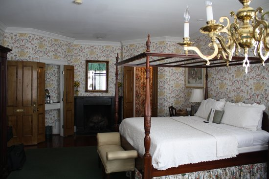 Barksdale House Inn: room #1