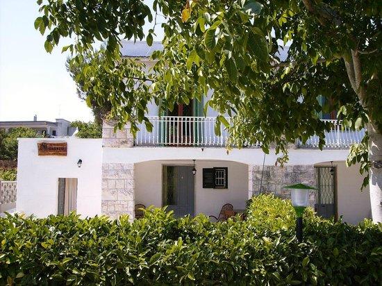 Villa Olimpo B&B : facciata frontale