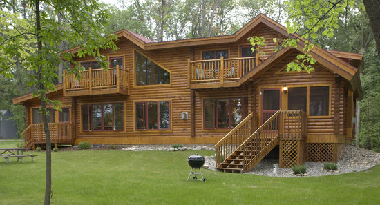 Brindley's Harbor Resort Inc.: Log Home 16 & 17