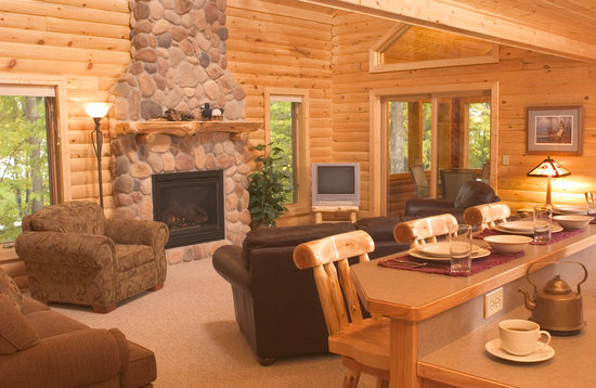 Brindley's Harbor Resort Inc.: Log Home 17 Fire Place