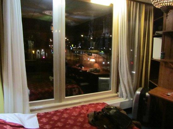 Hotel Nadia: Habitacion