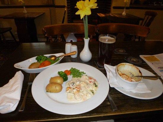 The Three Horseshoes: Seafood gratin