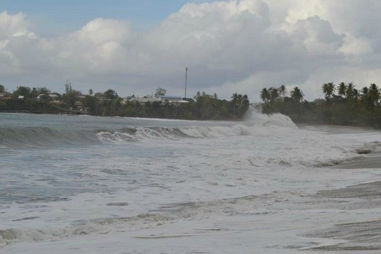Turtle Beach by Rex Resorts: Beach on a rougher day