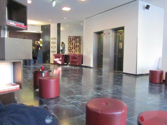 ARCOTEL Velvet: Lobby