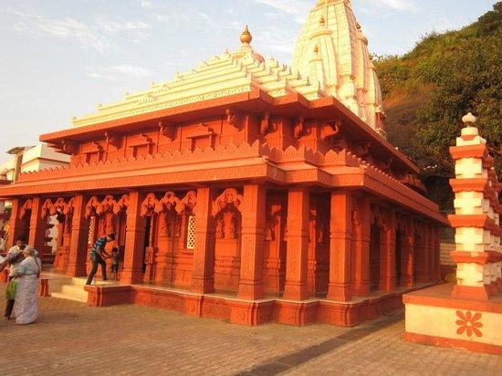 Ganapatipule Beach: Temple