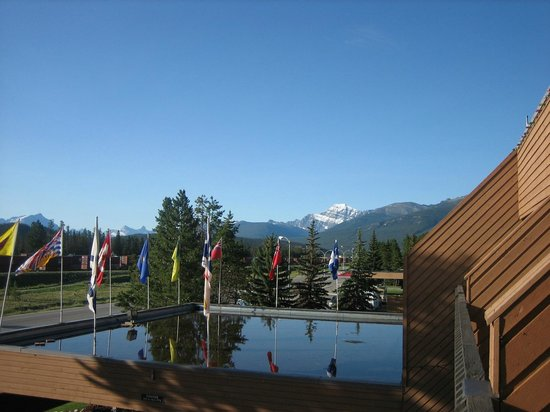 Sawridge Inn and Conference Centre Jasper: ベランダからの眺め