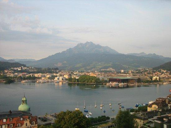 Art Deco Hotel Montana Luzern: 部屋からの眺め