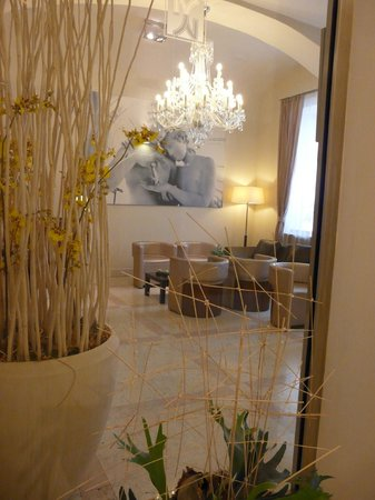 Hotel Sovereign: hall entrée salon
