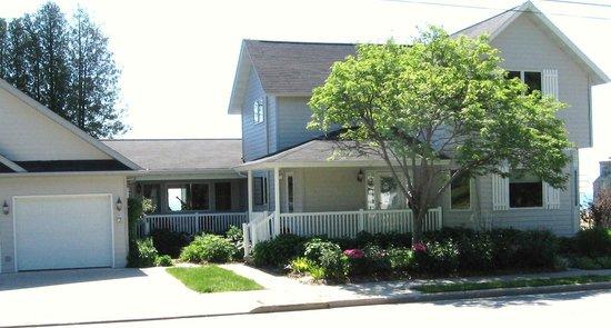 The Harbor Inn