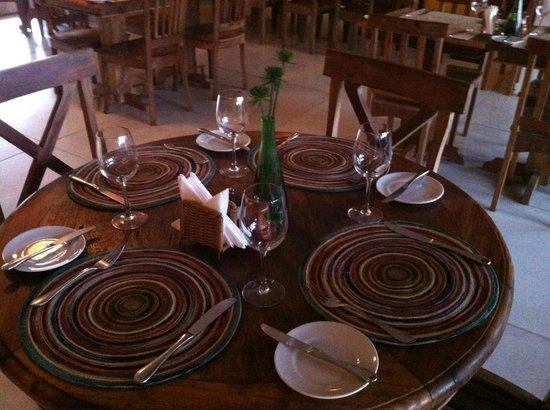 Villa Rasa Marina: Decoração linda do restaurante...