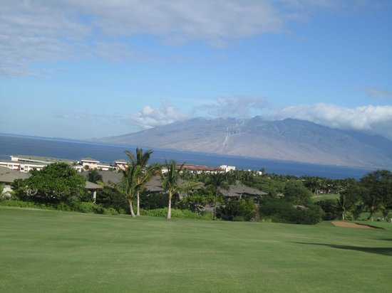 Wailea Old Blue Course: Couldn't get enough of the ocean views nice that we could take our time with no one ahead or beh