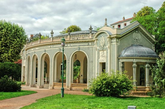 Vichy, France : Le pavillon de la source des Célestins