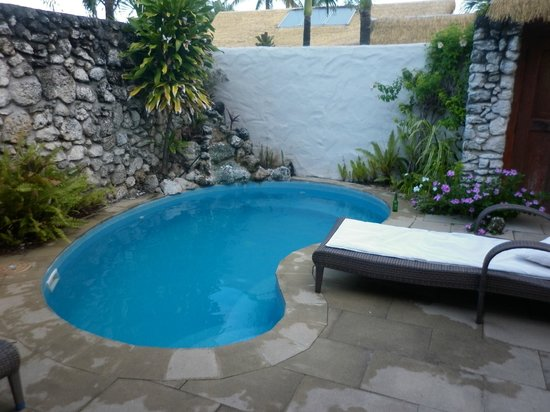 Crown Beach Resort & Spa: The Pool in our Couryard suite- used every day!