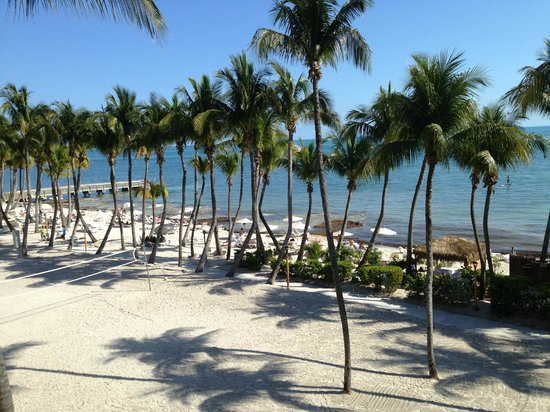 Casa Marina, A Waldorf Astoria Resort: Left Beach Side