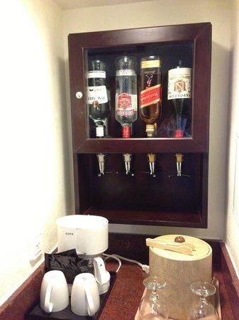 Hotel Riu Palace Aruba: In Room Bar