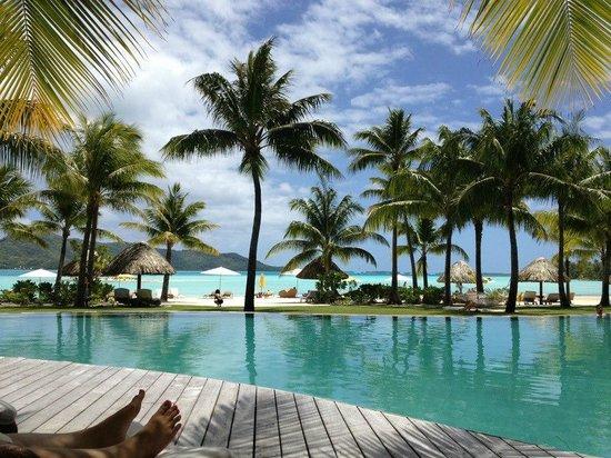 Four Seasons Resort Bora Bora: Pool view