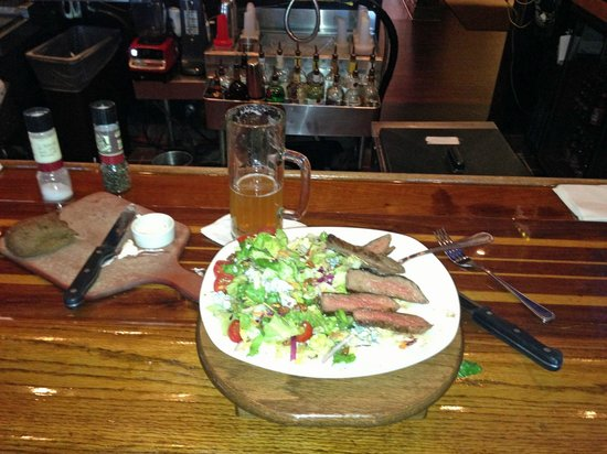 Outback Steakhouse: Salad at the Bar