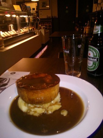 Pieminister : a moo pie