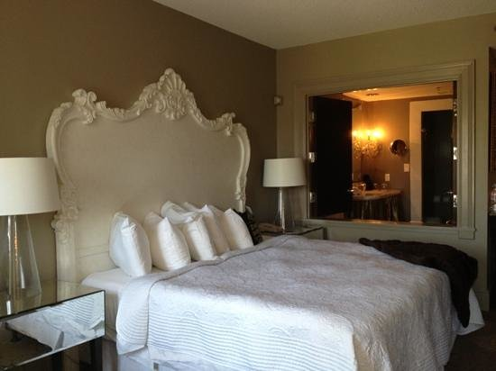 Mansion on Forsyth Park, Autograph Collection: our very classy room!