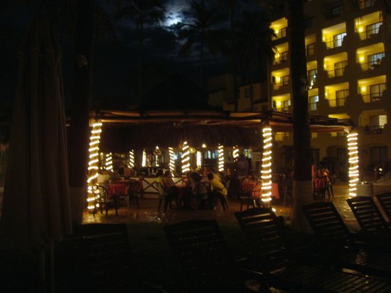 Plaza Pelicanos Grand Beach Resort: bar