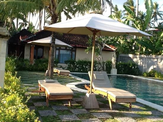 Hotel Genggong at Candidasa: pool at genngong