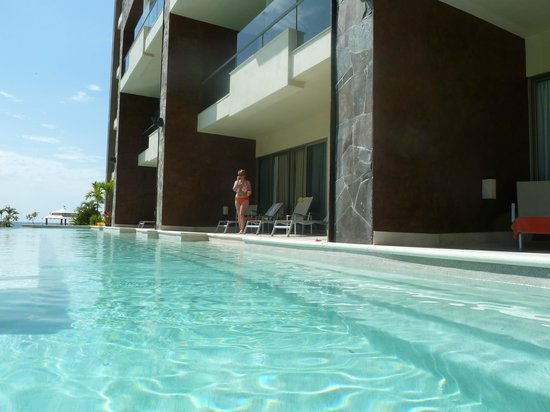Now Amber Puerto Vallarta: Our Suite across from main pool and in front of beach