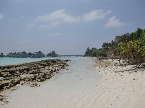 Six Senses Laamu: Rocky Outcrop by Lagoon Villas