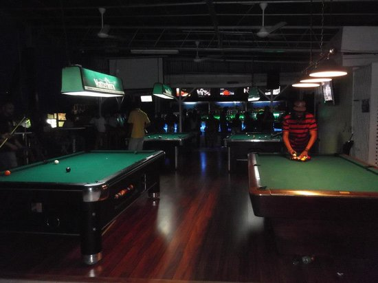 Hot Shots Pool Bar