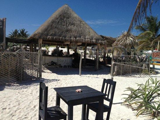 Bar Adelita: Wonderful beach bar.