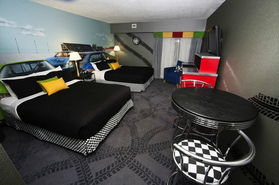 Travelodge Hotel Saskatoon: Race Car Room