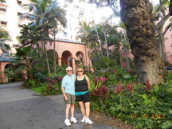 The Royal Hawaiian, a Luxury Collection Resort: Us in the entry garden
