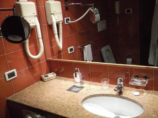 Michelangelo Hotel: Michelangelo Hotel - Bathroom