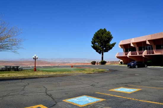 Quality Inn at Lake Powell: 敷地からの眺め