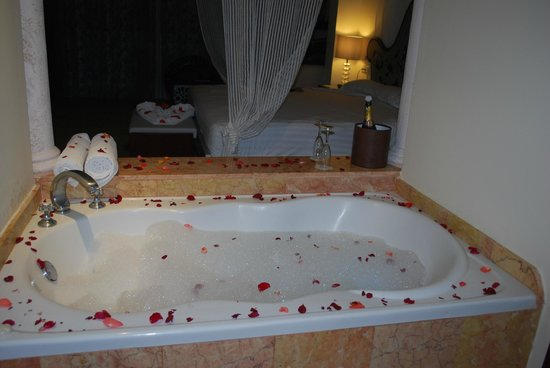 Hotel Majestic Colonial Punta Cana: bubble bath