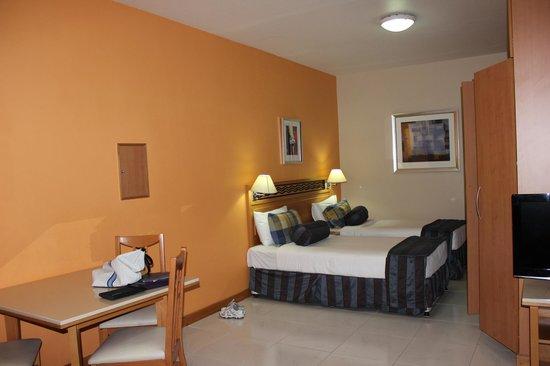 Golden Sands Apartments Dubai Reviews