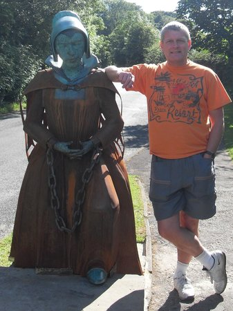 Alice Nutter Statue: With our Alice