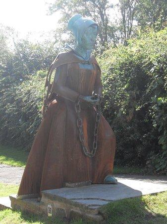 Alice Nutter Statue