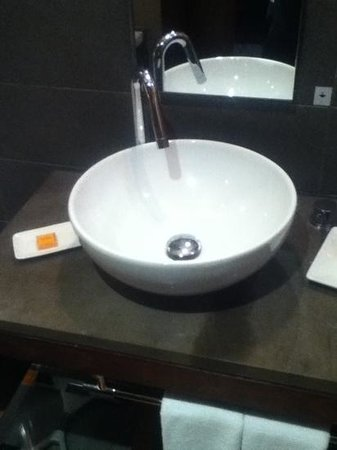 Hues Boutique Hotel: Sink