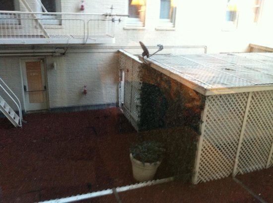 Clift Hotel San Francisco: Courtyard view