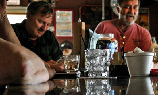 Lillian's Cafe and Coffee House: Cold drinks and good times