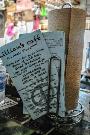 Lillian's Cafe and Coffee House: Good eats and great times!