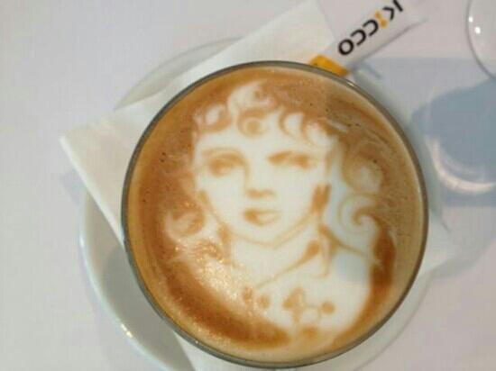 Art Gallery Food + Wine: art and coffee
